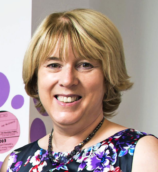 Lynne Carr, Chief Executive of Impact Arts, is to retire in April 2015
